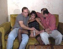 candaulisme et sodomie avec une nana aux petits nichons