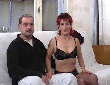 un couple français baise devant notre caméra par pur exhibitionnisme