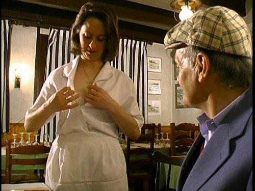femme de ménage mariée suce un grand-père