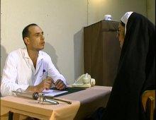 une religieuse perverse va voir chez son gynéco