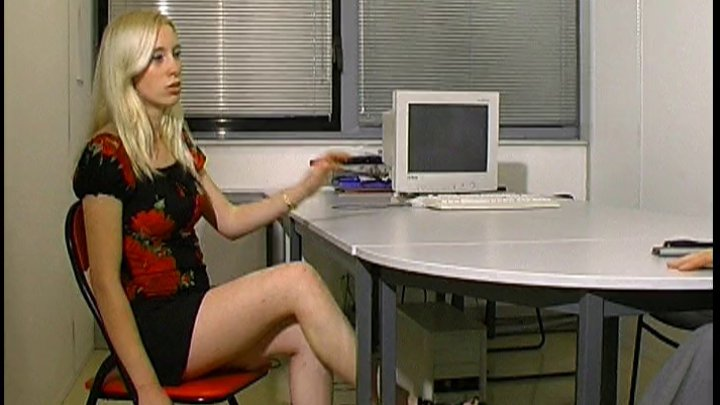 elle simule une relation d'inceste avec son père - image 720x405_110 on http://www.doc-foufoune.com