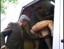 vieux couple pervers pute en action