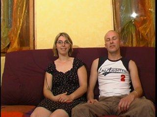 Couple amateur adepte du candaulisme teste le fist