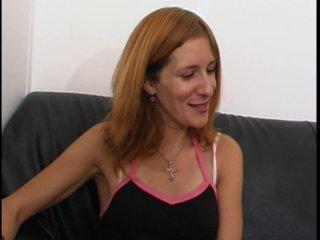 Belle rousse passe un casting porno amateur