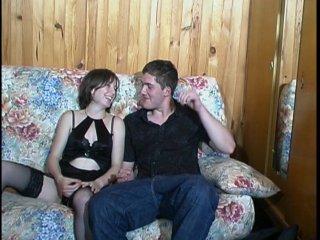 Dans l'intimité d'un jeune couple très prometteur!