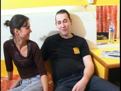 Livia et Rémy forment un joli petit couple totalement débutant. Rémy mesure 2m 0