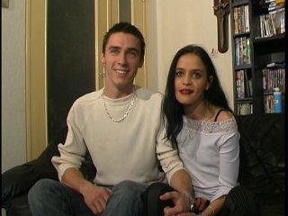 On caste un jeune couple amateur qui veut percer