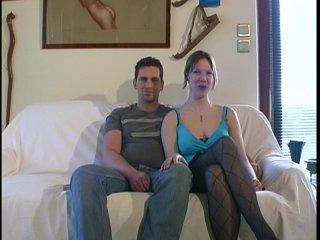 Christine baise avec son mari et un inconnu devant la camèra