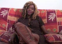 Une togolaise passe son casting porno