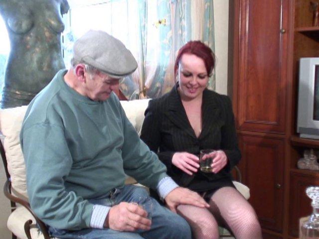 paloma, la salope marocaine teste l'anal et la double penetration