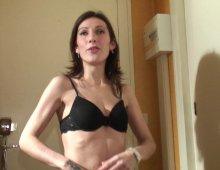 video de la jeune Morgane decouvrant le porno
