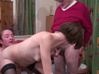 Femme au foyer sodomisée par papy pervers