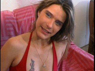 Casting de Lucie, une brunette au cul brulant