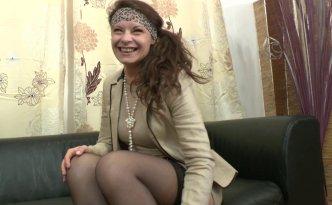 La petite salope française veut gouter du sperme