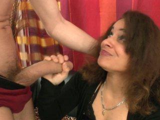 une femme ne peut que jouir avec un sexe de cette taille