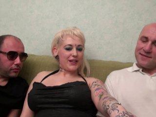 Une belge aux seins énormes s'offre un trio