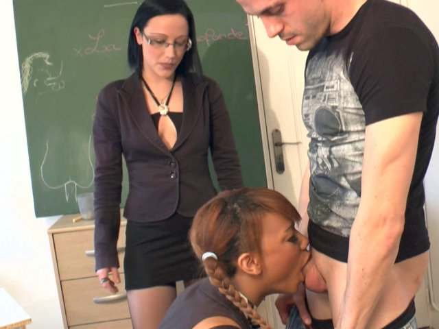 apprentissage de la pipe et de la sodomie en classe