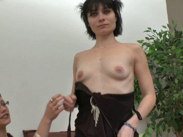 Dépucelage anal pour mandy, ancienne amatrice porno sur le retour. - סרטי סקס