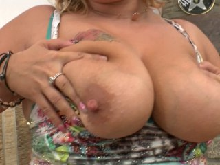 grosse cochonne se découvre femme fontaine
