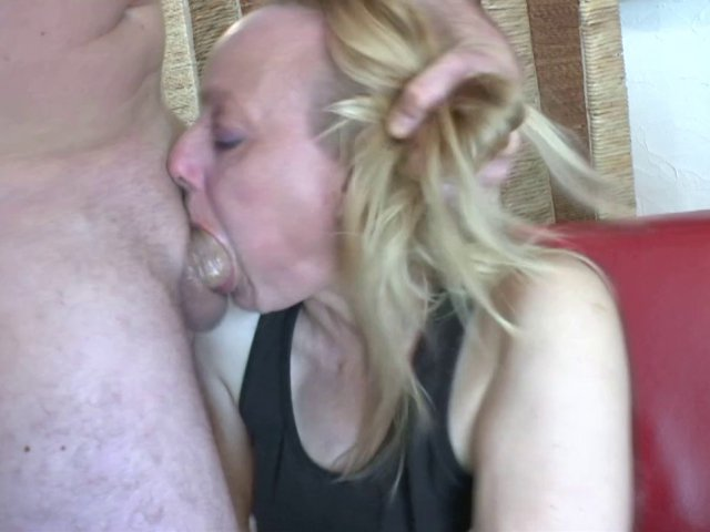 video hard amateur avec une blonde mature