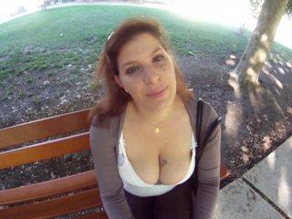 5 à 7 avec une femme poilue aux seins énormes