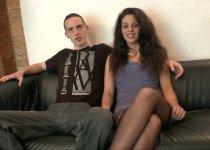 Voir la vidéo: Couple amateur vient chercher le grand frisson