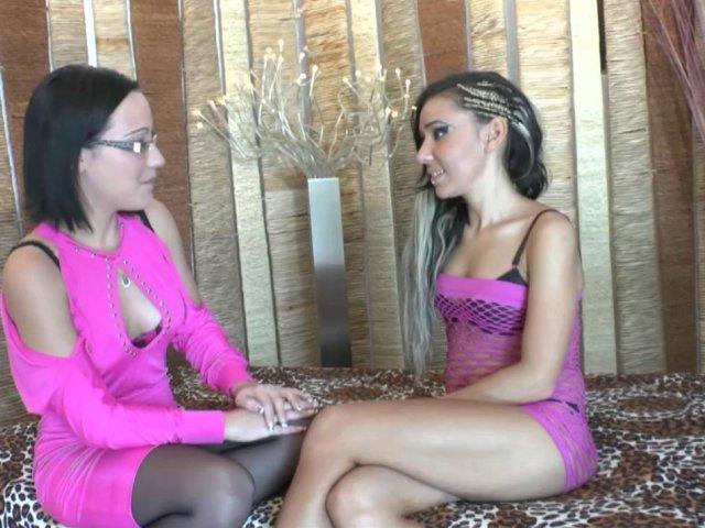 Séance de Fist vaginal pour une coquine française