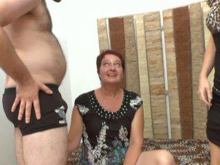 Fist anal extrême d'une mère au foyer normande