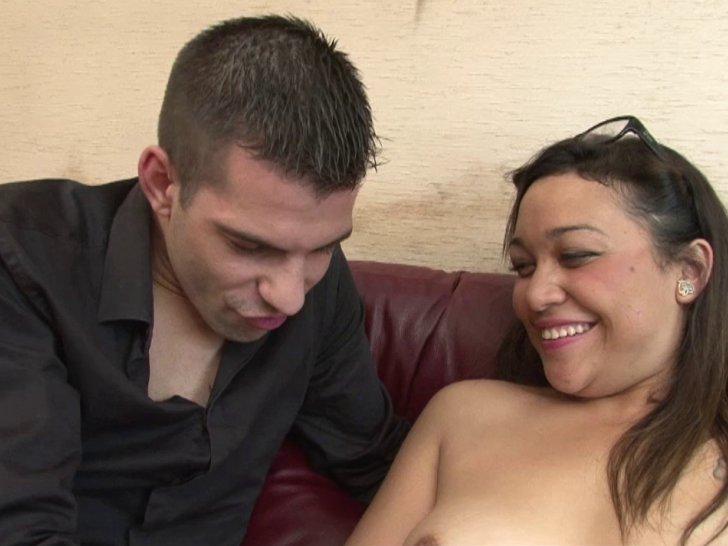 Dépucelage anal d'une demoiselle lors d'un casting amateur