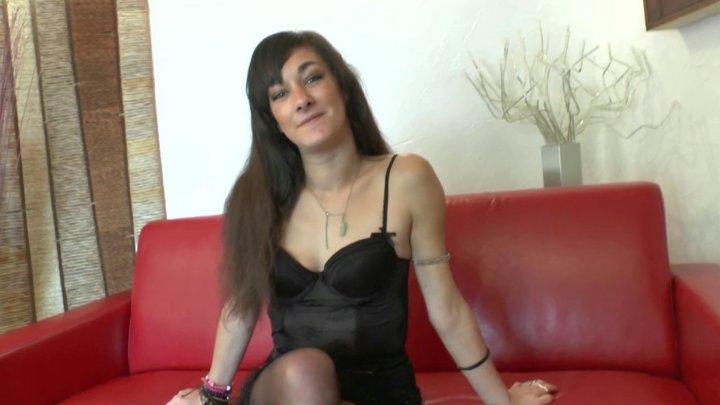 720x405 1 - Casting hallucinant avec Samia, une débutante très ouverte!
