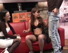 jeune femme timide pour casting porno anal