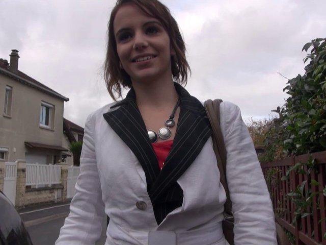 jeune française de 23 ans niquée apres son boulot