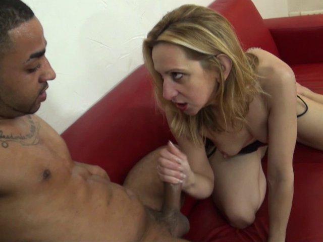 sexe torride avec un jeune couple tres hard