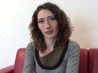 Casting porno et cul éclaté pour la belle Gaby