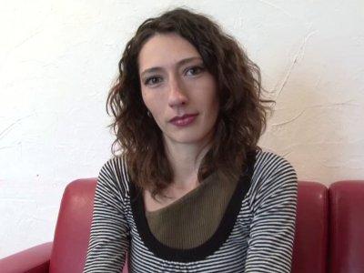 Gabriella est une charmante jeune femme de 28 ans, tr�s sexy et f�minine � souha