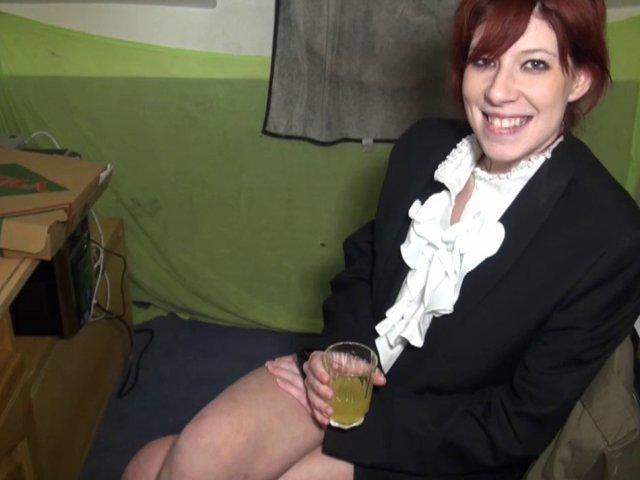 jeune rousse, cchaude, sexy et sans limite au niveau sexe