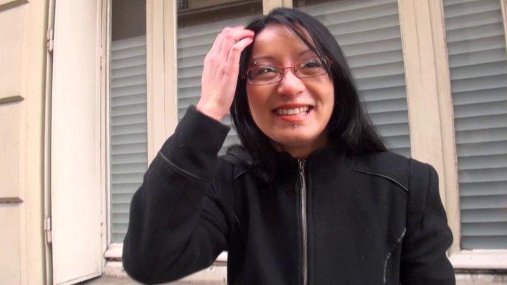 720x405 75 - Max sodomise une jeune et jolie sexfriend asiatique recrutée dans la rue!