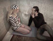prisonnière et esclave sexuelle d'un homme exigeante