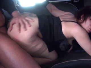 Phoebe la baronne se fait sauvagement baiser dans sa limousine! 3
