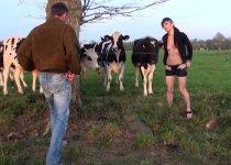 Voir la vidéo: Linda se fait tringler par deux mecs de partout