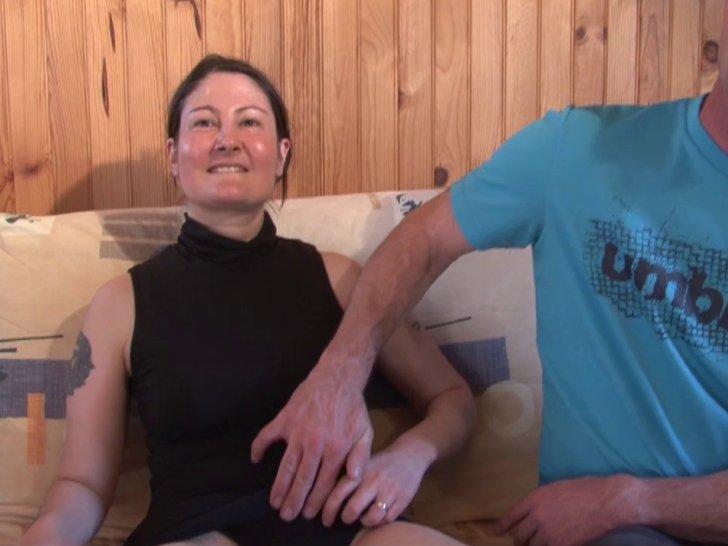 Voir la vidéo: Une parisienne timide et salope à la fois se lance dans le X