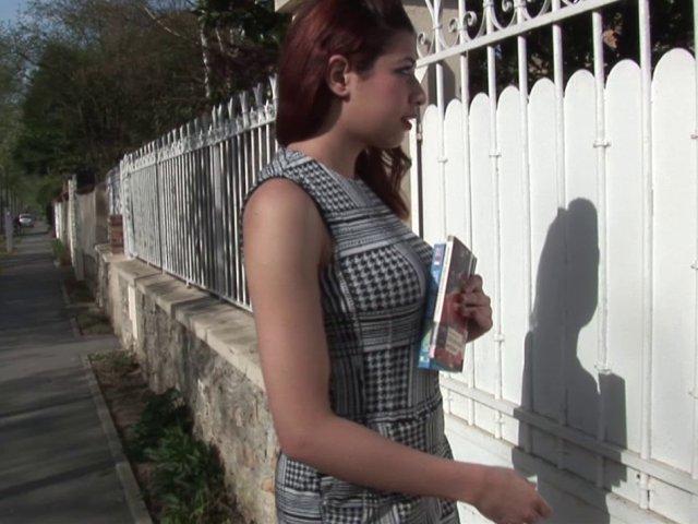 Cours d'anglais et de baise pour lilia, une jeune épouse très volontaire!