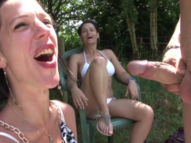3 copines bi francaises en vacances - 3 part 1