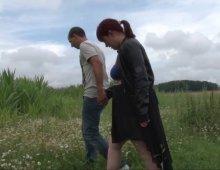 dogging amateur et voyeurisme dans le champ de maïs