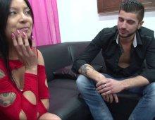 asiatique aux gros seins dans une vidéo porno amatrice
