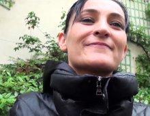 une amatrice parisienne aux gros seins en porno POV