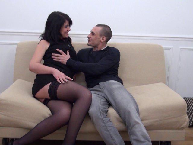 Elle vend son cul pour payer le loyer - סרטי סקס