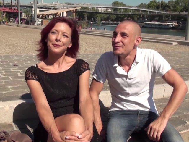 Une mère de famille dans un porno français