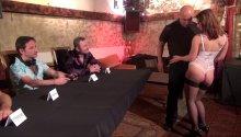 Le jury de Baise avec les Pornstars reçoit Fabrice, dernier candidat de la journée.