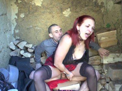 Un couple amateur baise jusqu'à l'orgasme